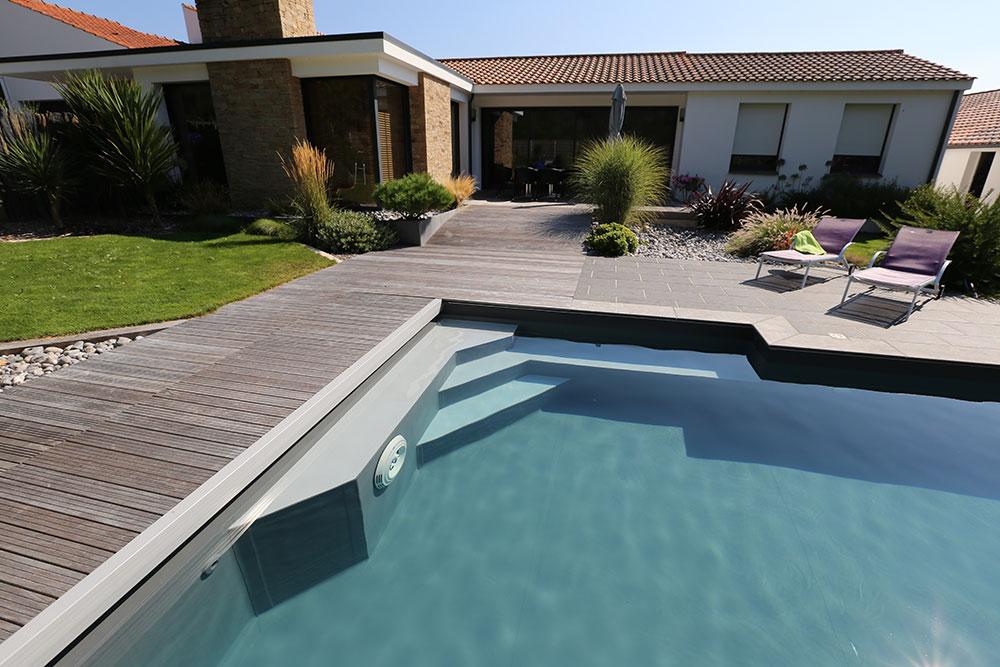 magasin vendeur de piscine sur mesure en Vendée