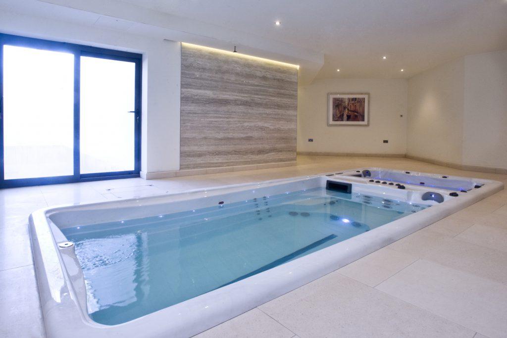 Swim spa intérieur