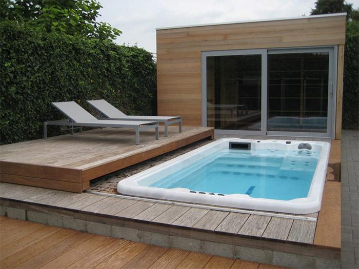 vendeur spa jacuzzi avec sa terrasse à Nantes